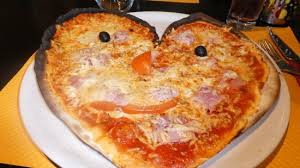 Pizza avant grand défilé du carnaval